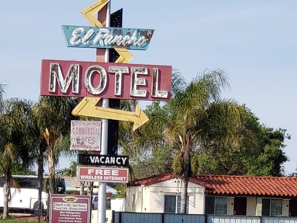 Classic 1950s El Rancho Motel