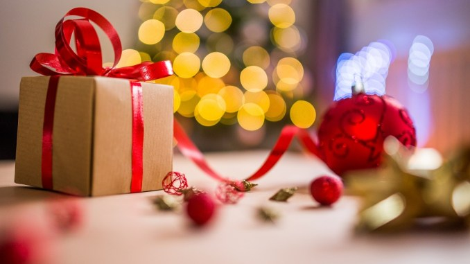A Christmas Morning Proposal for the tinberry travels