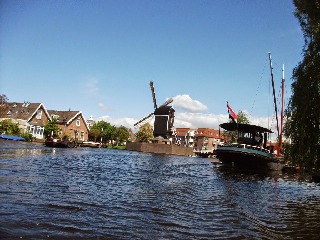 Leiden from the boat