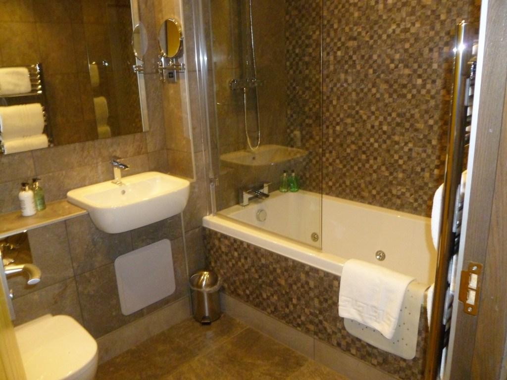 Waterside Hotel Bathroom