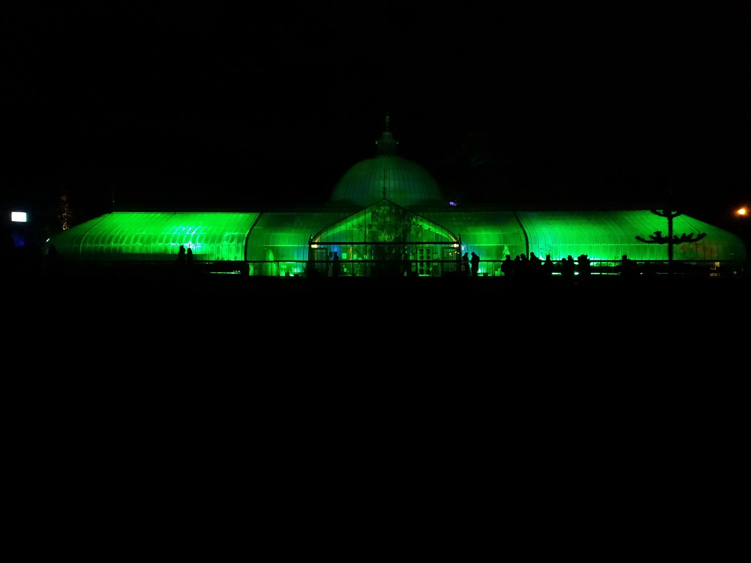 GlasGLOW lighting up Kibble Palace