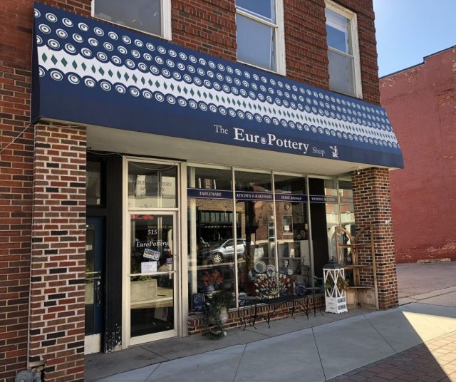 Pottery shop in Historic Downtown Leavenworth Kansas