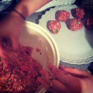 Making round meatballs