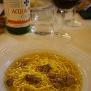 Fresh egg tagliolini in broth with chicken livers