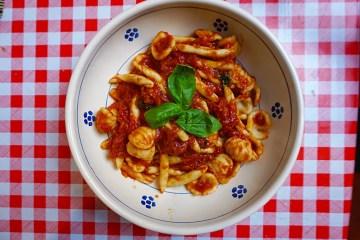 Pasta tomato sauce