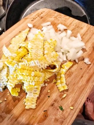 corn on the cob, onionsm mirai corn