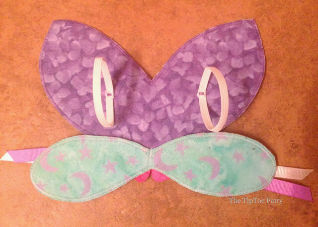 Elastic loops on doll fairy wings