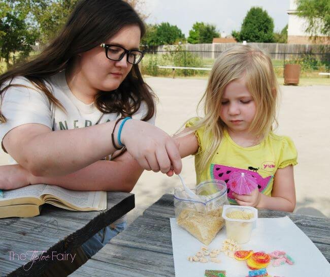 Have a Snack Pack® Picnic with Mix-ins with your kids! #ad #SpoonfulOfFun   The TipToe Fairy