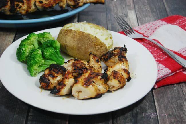 Honey Citrus Garlic Chicken Kabobs - easy dinner on the grill! #SwansonSummer #ad | The TipToe Fairy