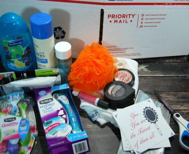 Put together fun College Care Packages for girls! #ad #SchickSummerSelfie | The TipToe Fairy