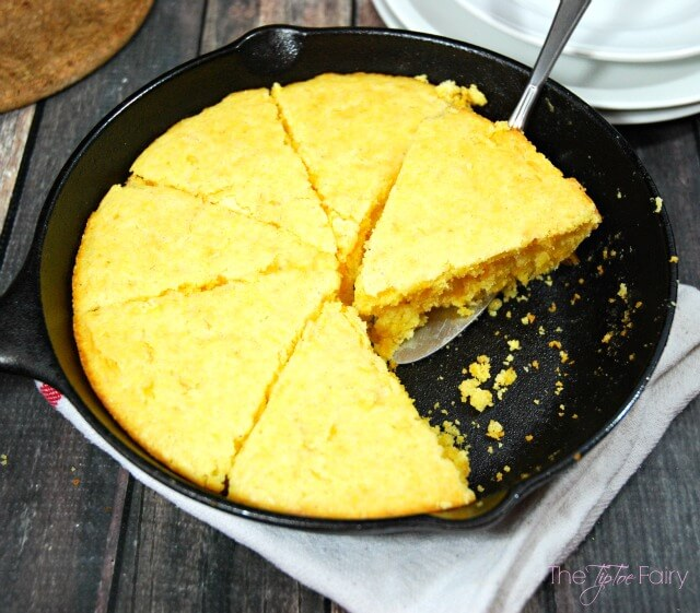 Easy Cheesy Cornbread recipe perfect for your @Campbells soup! #ad | The TipToe Fairy