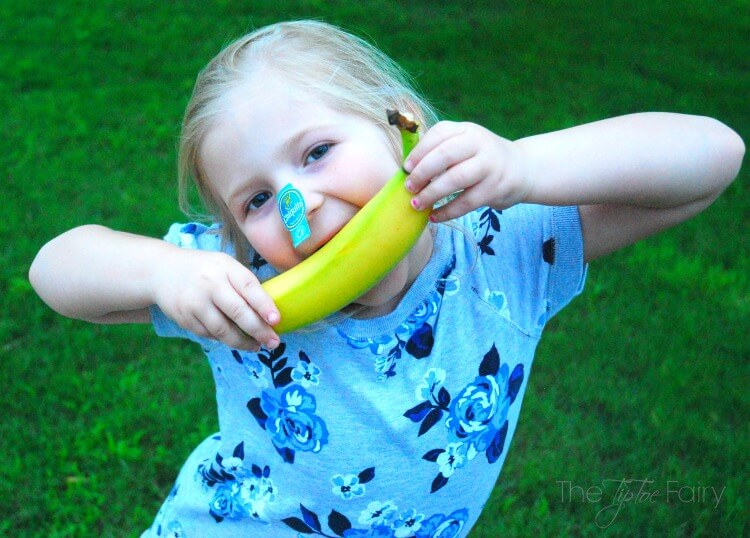 Win a trip to #Disney w/the #JustSmileContest & @Chiquita #ad #AwakenSummer
