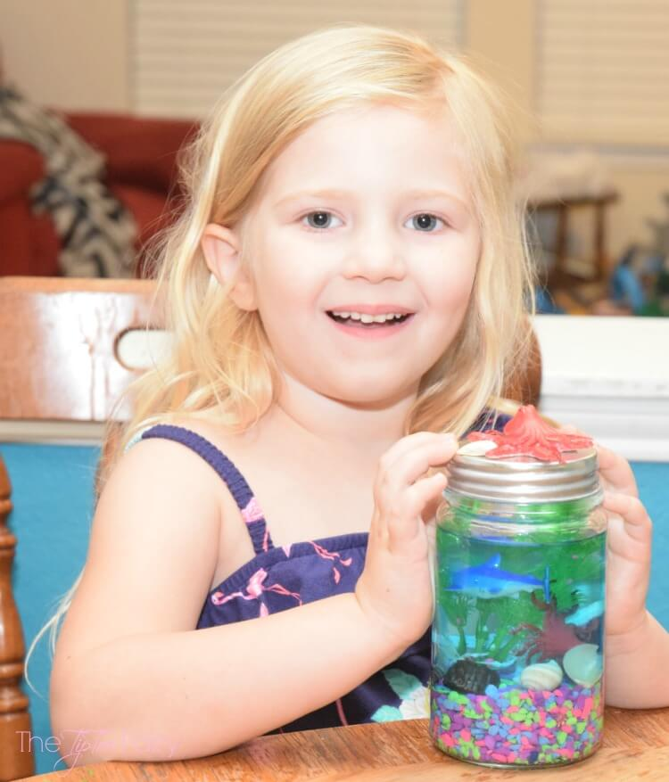 Make a Light Up Mason Jar Aquarium! #ad #FindingDelicious #craft #DIY
