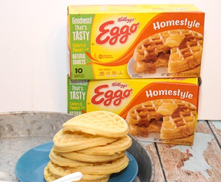 You can make Easy Waffle Ice Cream Sandwiches! #ad #EggoWaffleBar