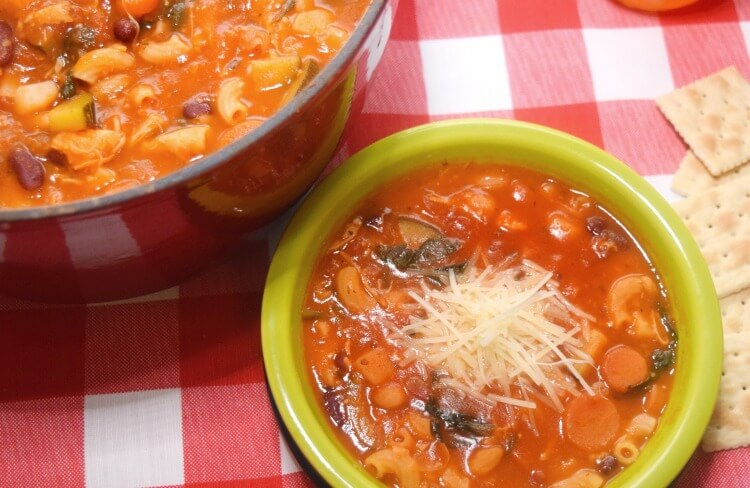 Check out this Chicken Minestrone Soup & Strawberry Lemonade Tea for #CampbellsShortcutMeals! #ad
