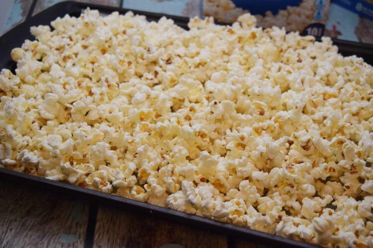 Don't miss Captain Underpants pre-order & make this Toxic Popcorn w @PopSecret & @LanceSnacks! #Pop4Captain #Ad #Pmedia