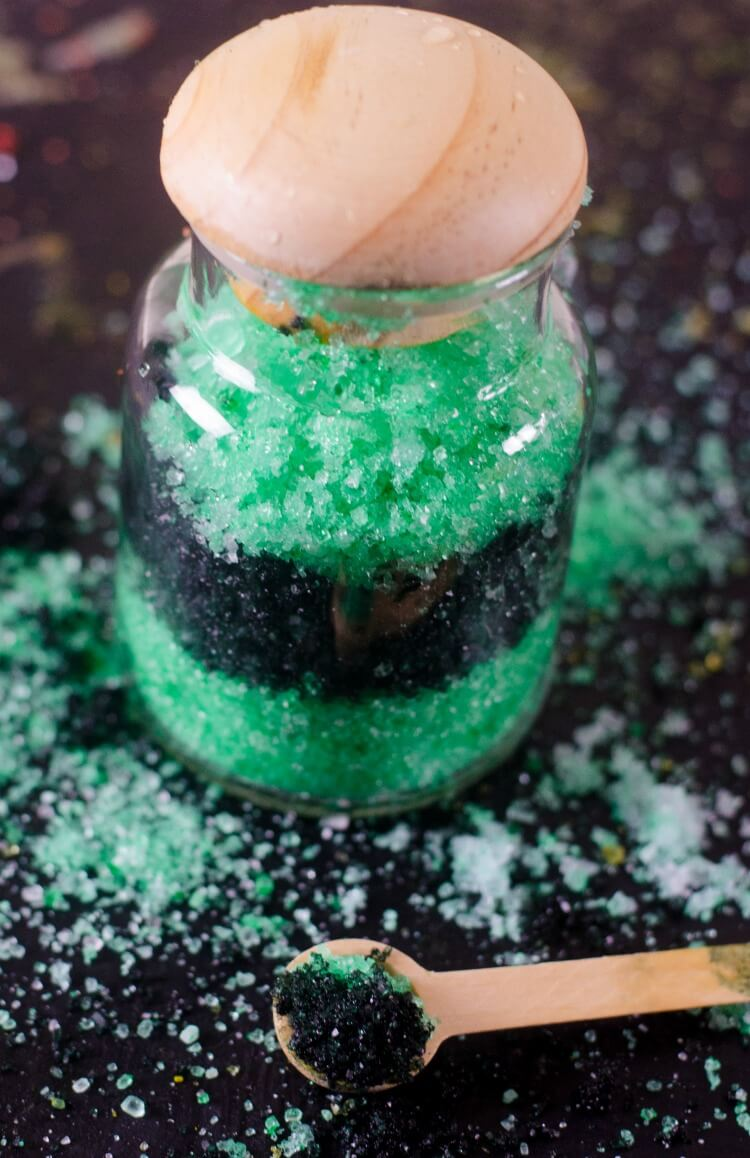 Slytherin - DIY Harry Potter Gifts - House Bath Salts