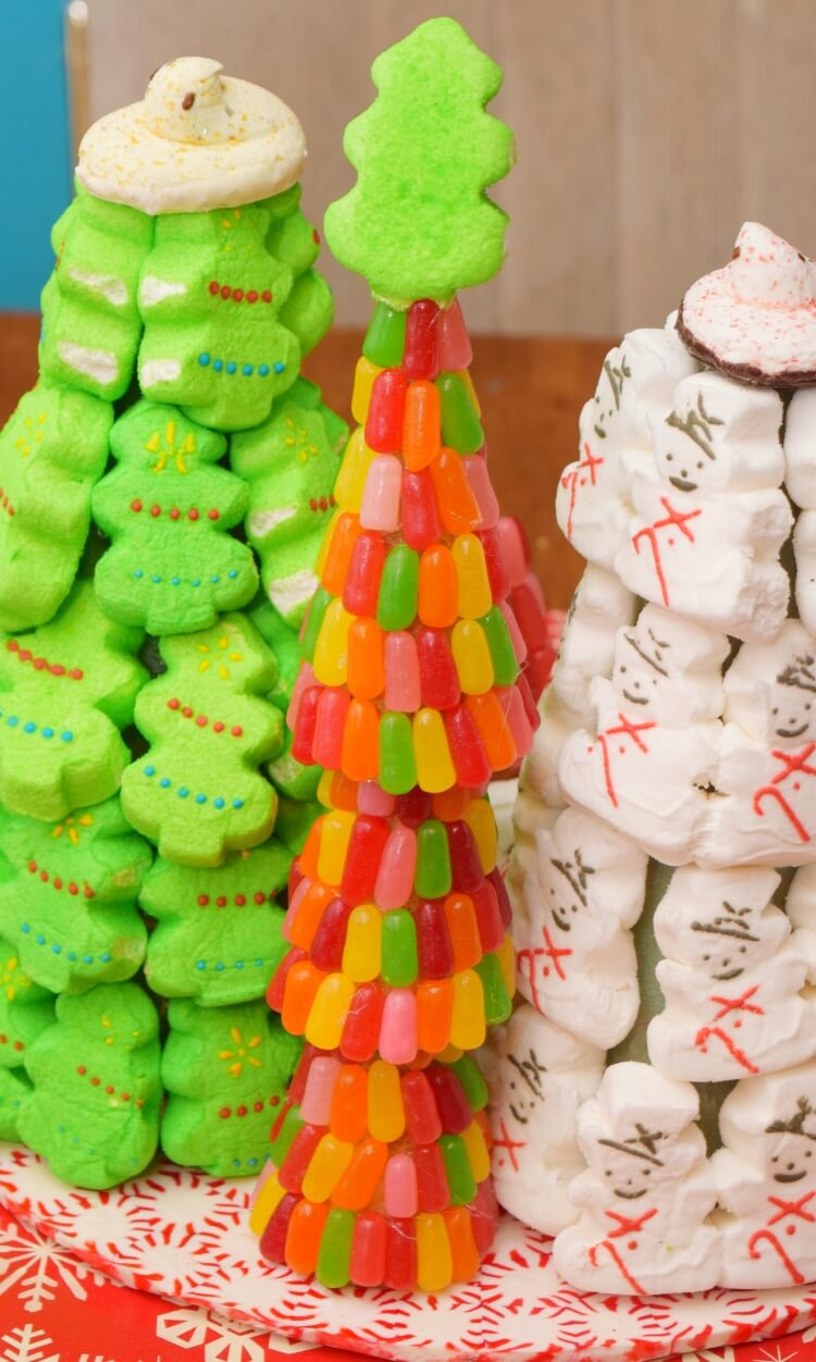 How to Make a Mike and Ikes Christmas Tree with some #PEEPSONALITY! #ad @PeepsBrand @SheSpeaksUp
