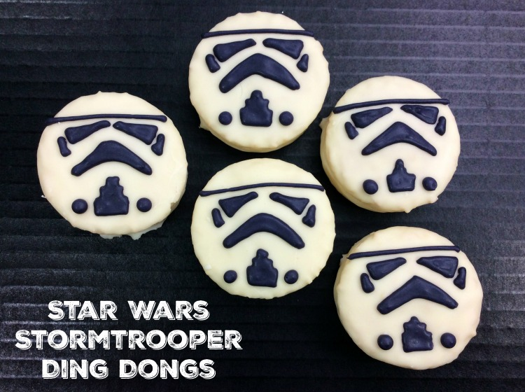 Make Your Own #StarWars The Last Jedi Stormtrooper Treats from Ding Dongs! Come see how! #movie
