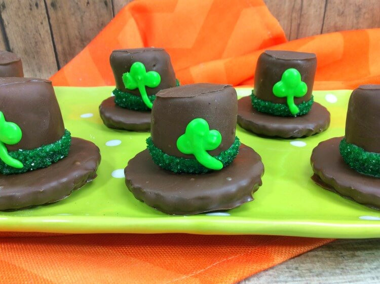 Just in time for St. Patrick's Day - let's make Lucky Leprechaun Hats
