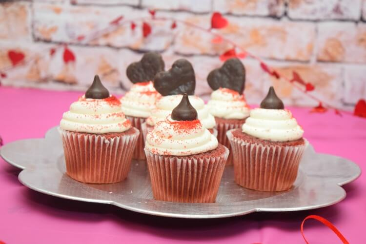 Heart topped cupcakes