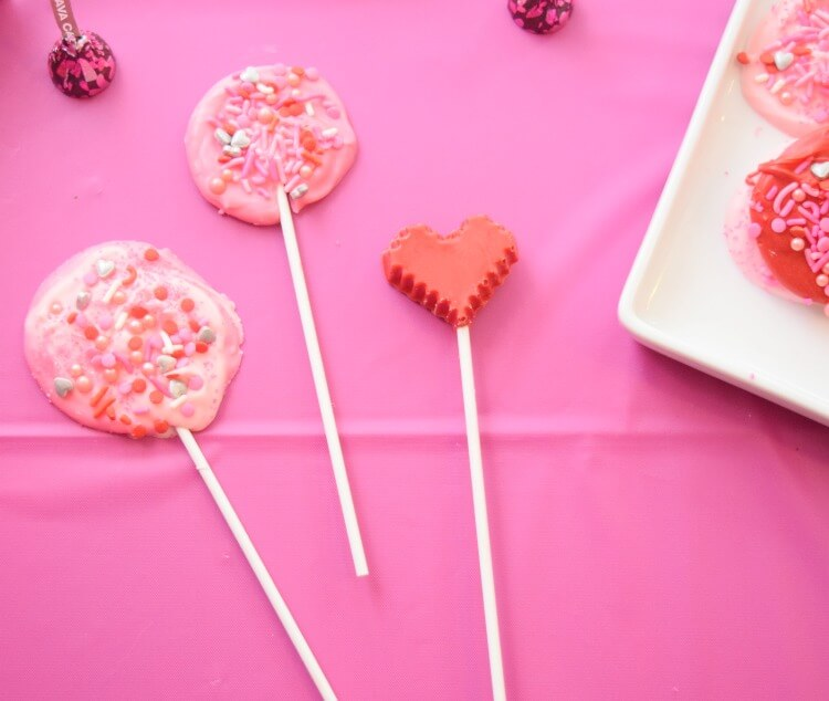 Easy Candy Melt Lollipops