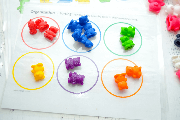 EBook page for with Colored rings for sorting rainbow bears.
