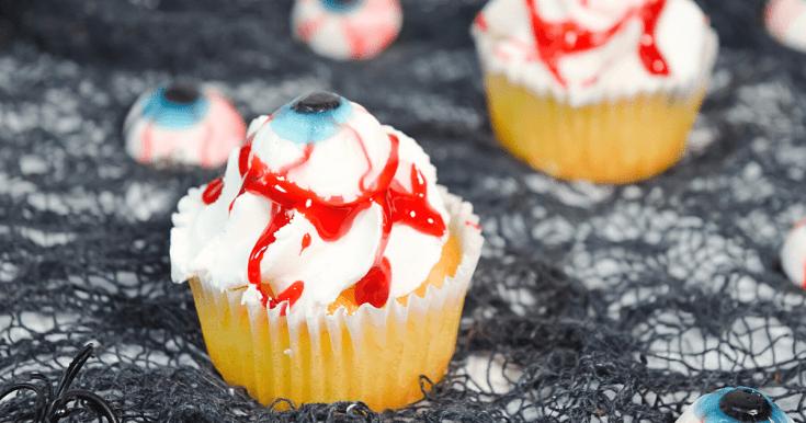 Quick & Easy Halloween Eyeball Cupcakes