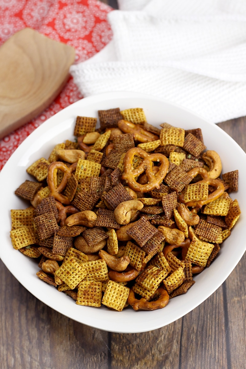 Spicy Garlic Chex Mix by The Toasty Kitchen