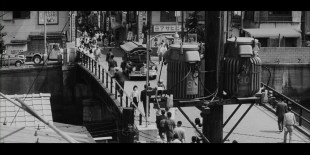 pale-flower-bridge-yokohama-bashi-commercial-street-river