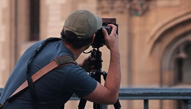 How To Start A Photography Business: Guide and Business Plan