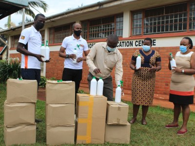 The Touchline Sports - Fortebet donates to Jinja Hospital items worth 10M
