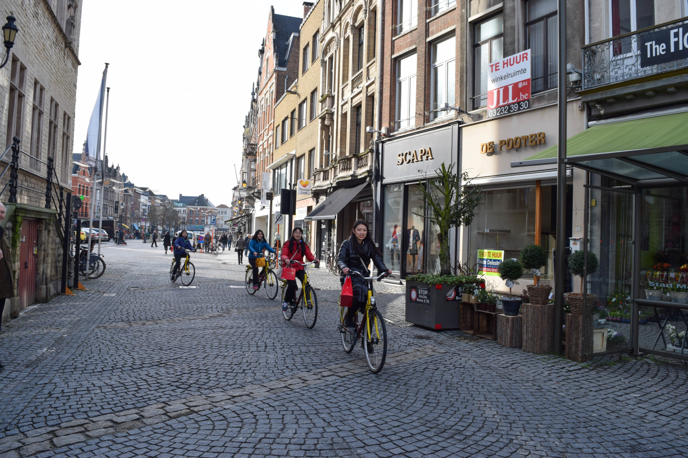 While in Mechelen, Belgium, groups of students had the opportunity to explore the city on bikes, or were given the chance to roam on foot. Ruoxi Ni '17 leads her group through the city, which is situated in the north of the country. (photo: Annie Kim)