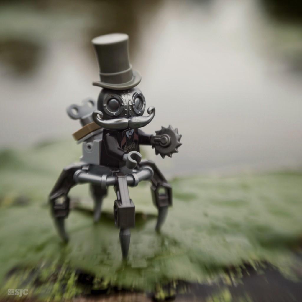 Mega Minifigure MECHTORIAN by CrazyBricks x Doktor A shelly corbett