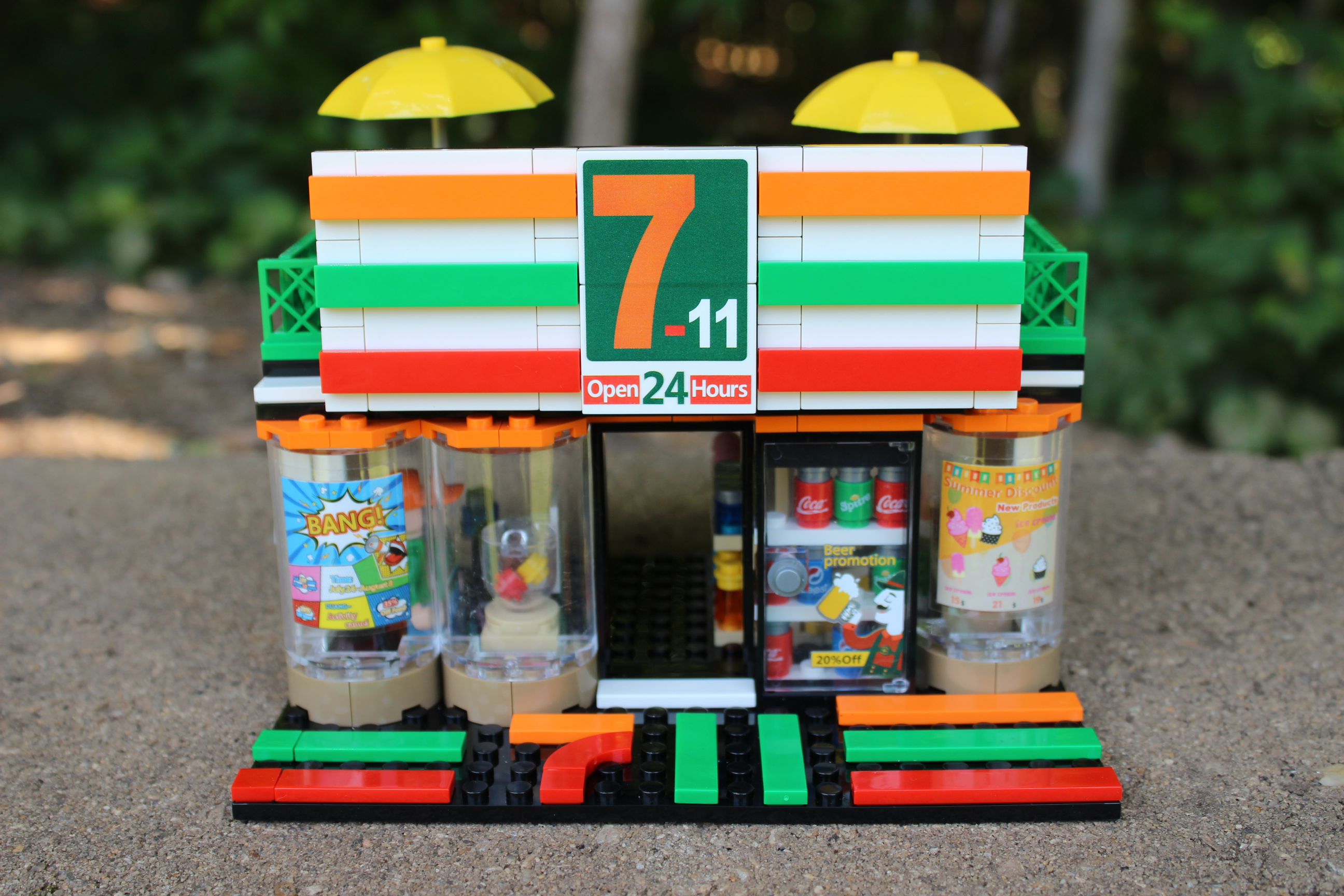 "/""7//11/"" Custom Lego Set {Brand New}"