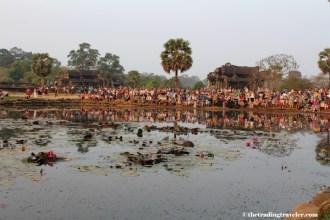 crowds at angkor wat sunrise
