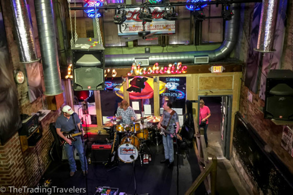 live music on broadway, downtown nashville