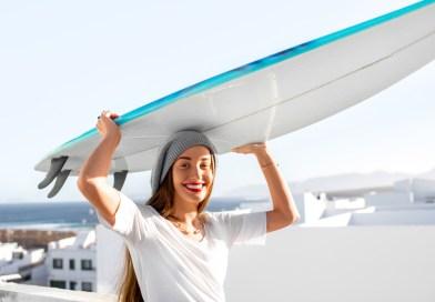 Surfie at party hostel