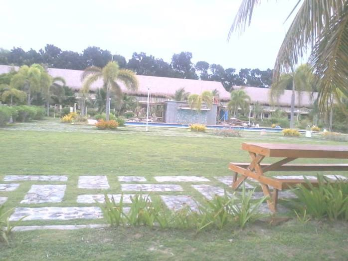 We enjoyed the same view, the same white sand without the high cost of Bohol Beach Club just beside  Dinaluan Beach Resort