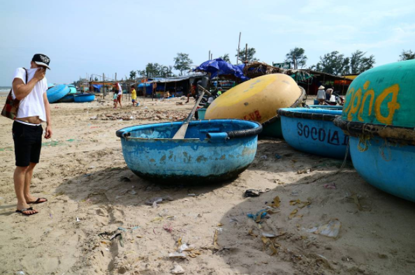 Mui Ne Fishing Market: a Fascinating Smelly Seafood Cemetery