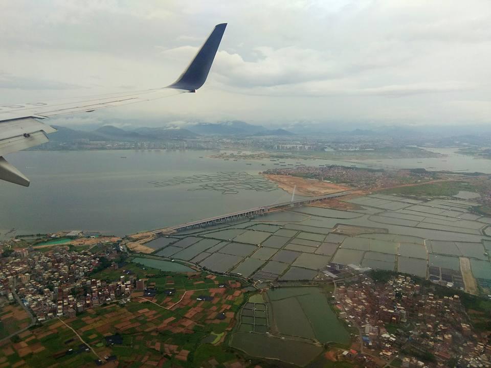 Haggling for a Visa at Ho Chi Minh Airport