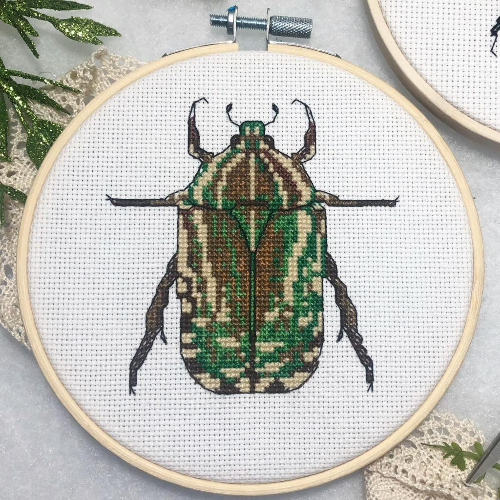 Insect Decorations, Insect Decorations for Your Home: Creepy Crawly Bug Art, The Travel Bug Bite