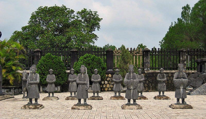 Vietnam – Tomb and Temple Hopping in Hue