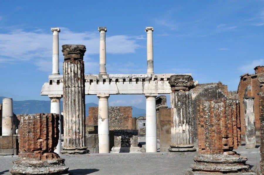 w from the Basilica, Pompeii