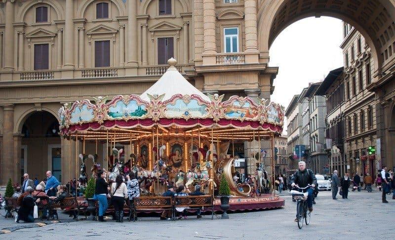Carousel on Piazza della Repubblica