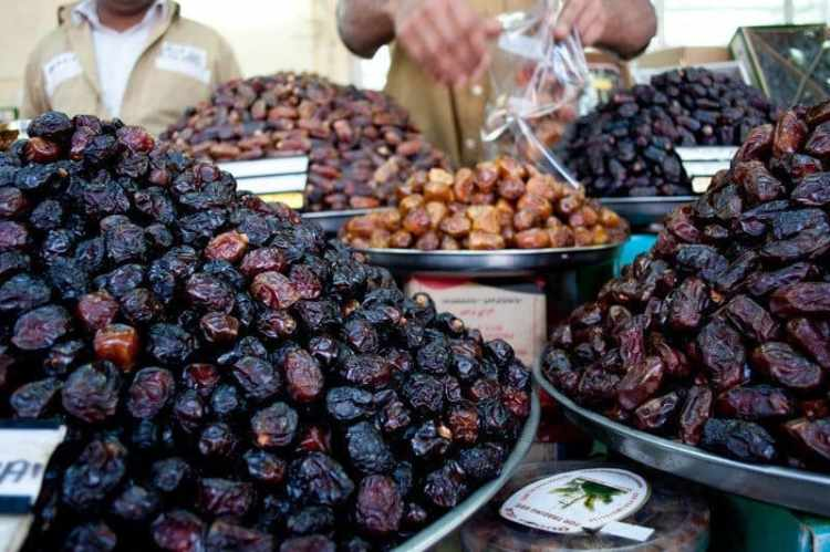 dates-dubai-market