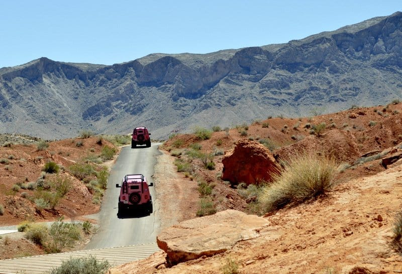 Pink-Jeeps-Valley-of-Fire