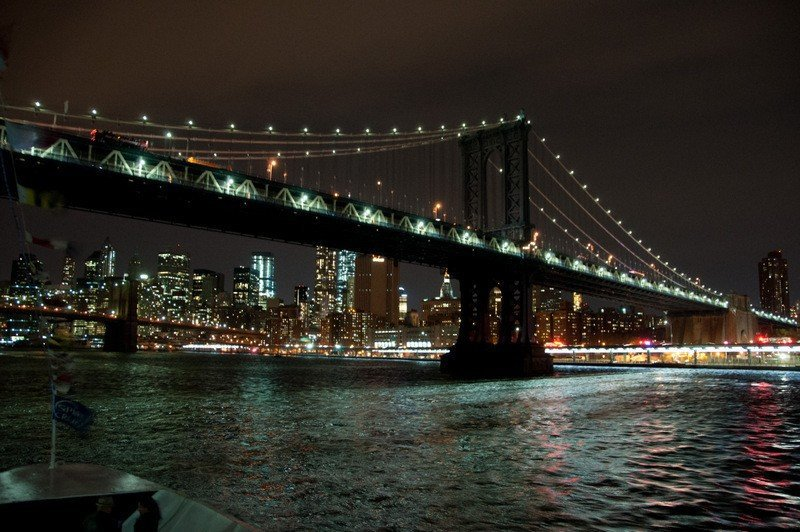 Manhattan-bridge-night