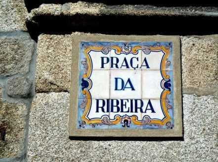 Tiled Porto Street Name