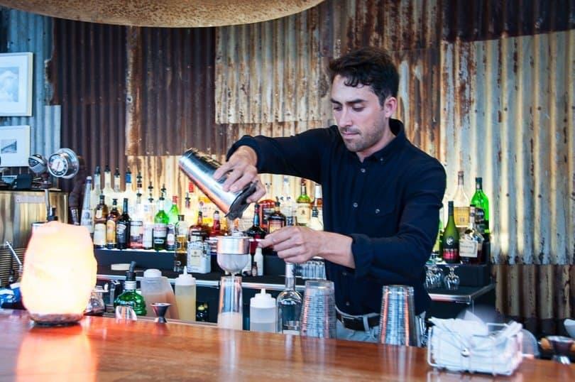 bar--salt-plage-st-kitts-restaurants